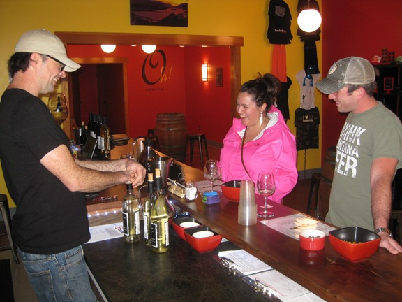 Chris Garvey introduces Jessica and James Gairrett to Naked Winery's whites.